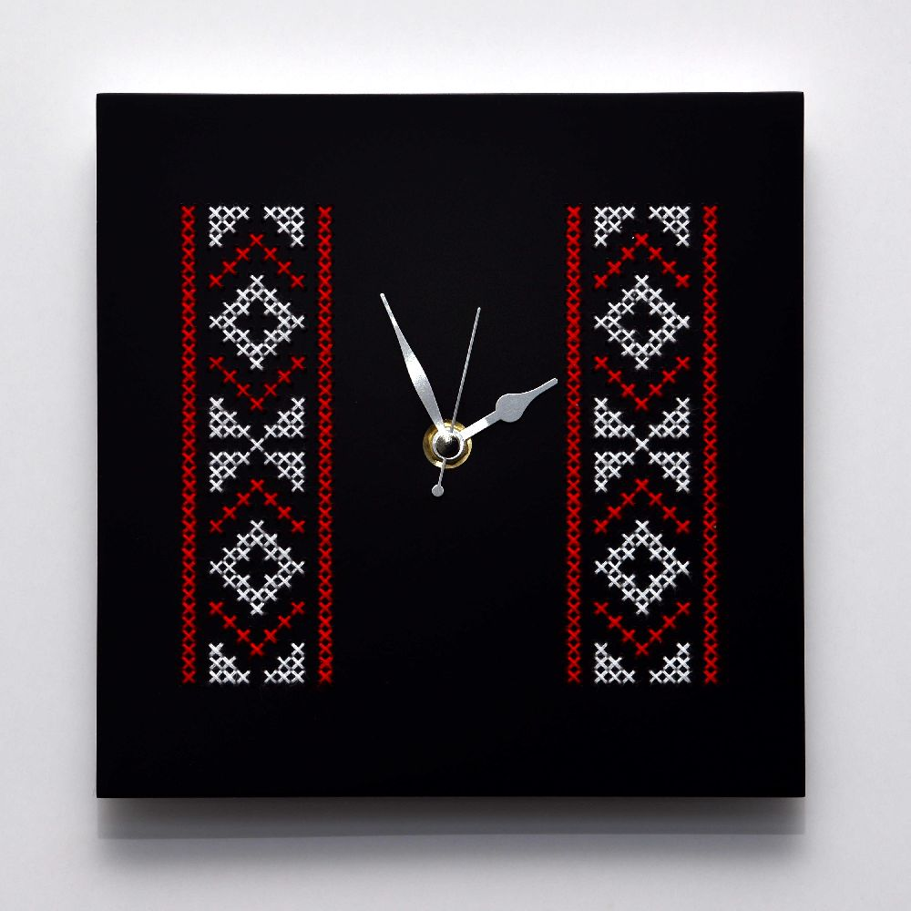 adelaparvu.com despre ceasuri cu motive traditionale romanesti, design Artesis, Gina Bursuc (6)