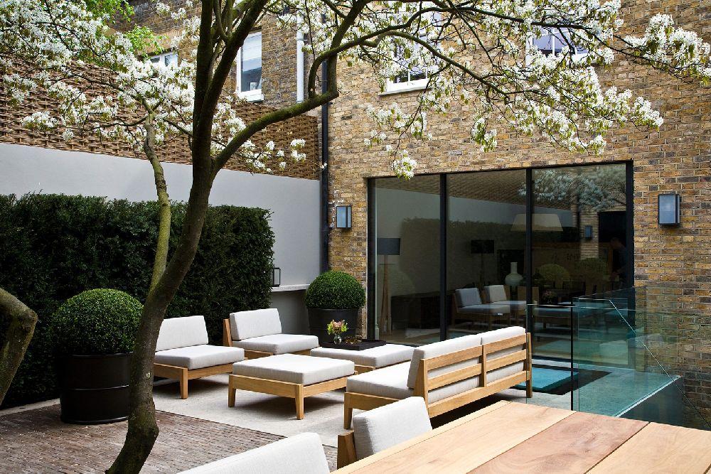 adelaparvu.com despre gradini mici si elegante, Gradina Bedford Gardens, designer Luciano Giubbilei (2)