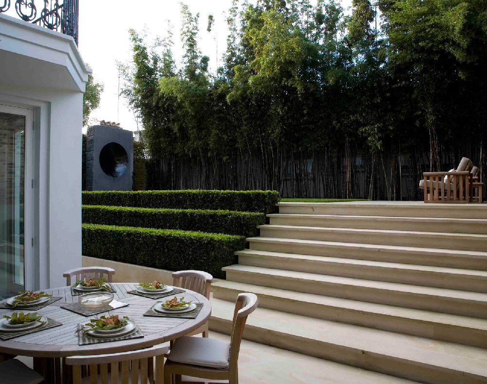 adelaparvu.com despre gradini mici si elegante, Gradina Holland Park, designer Luciano Giubbilei (1)