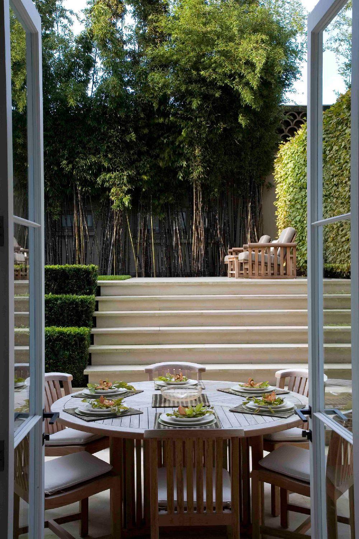 adelaparvu.com despre gradini mici si elegante, Gradina Holland Park, designer Luciano Giubbilei (3)