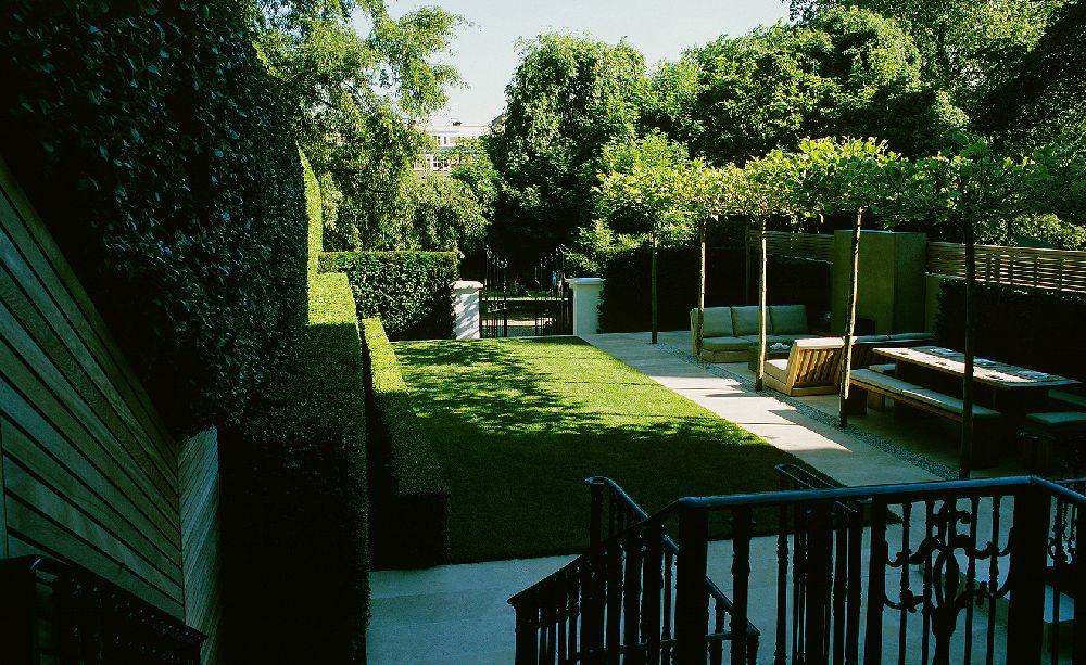 adelaparvu.com despre gradini mici si elegante, Gradina Notting Hill, designer Luciano Giubbilei (1)
