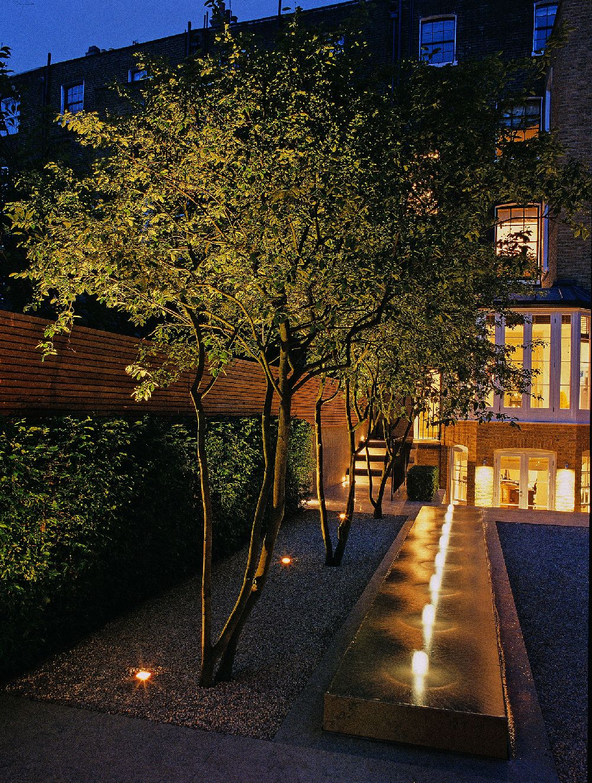 adelaparvu.com despre gradini mici si elegante, Gradina Pelham Crescent, designer Luciano Giubbilei (1)