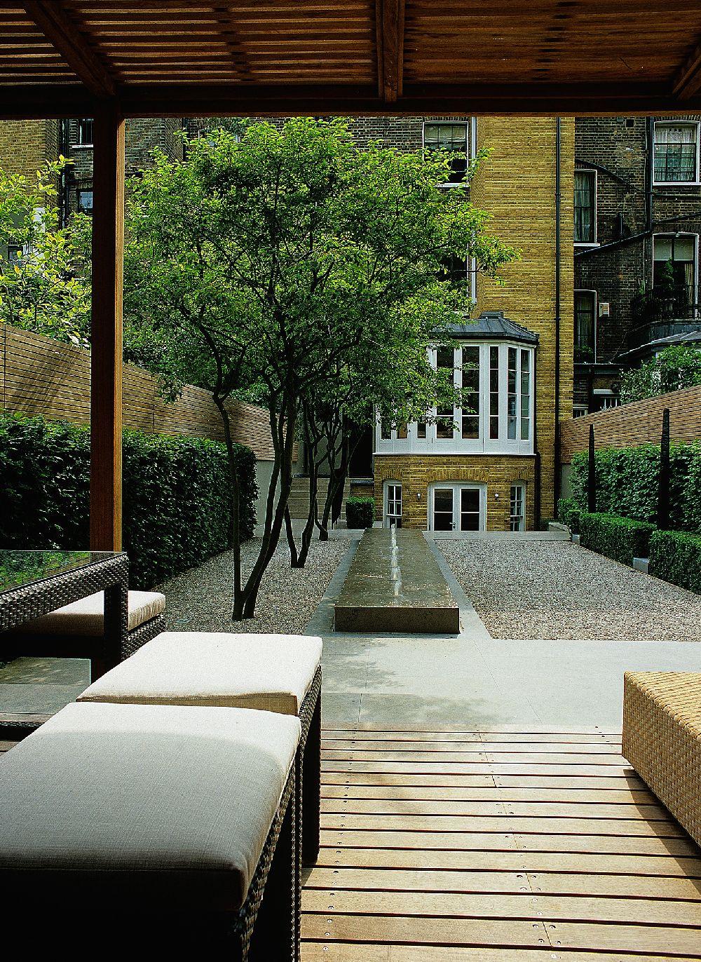 adelaparvu.com despre gradini mici si elegante, Gradina Pelham Crescent, designer Luciano Giubbilei (5)