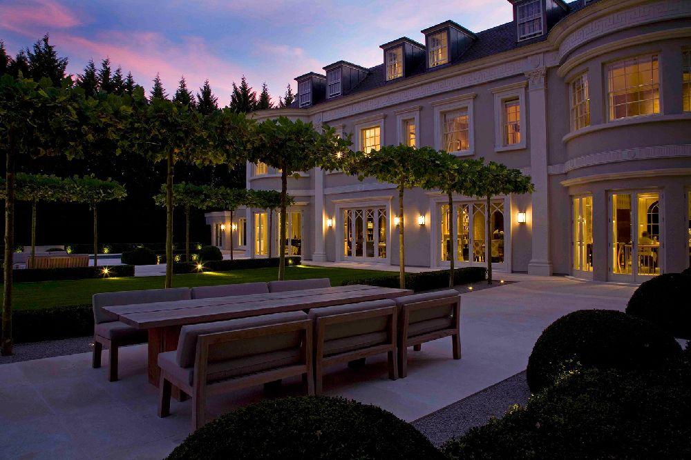 adelaparvu.com despre gradini mici si elegante, Gradina Wentworth, designer Luciano Giubbilei (2)