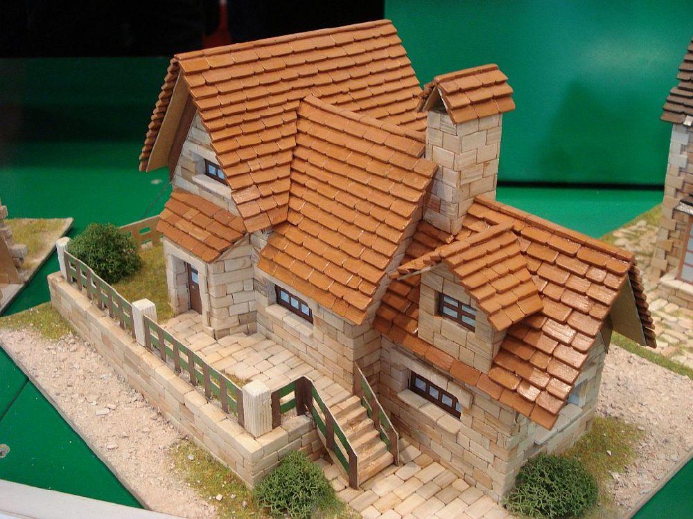 adelaparvu.com despre kituri de constructie, castelul machete expozitie, Atelierul de Modelism (3)
