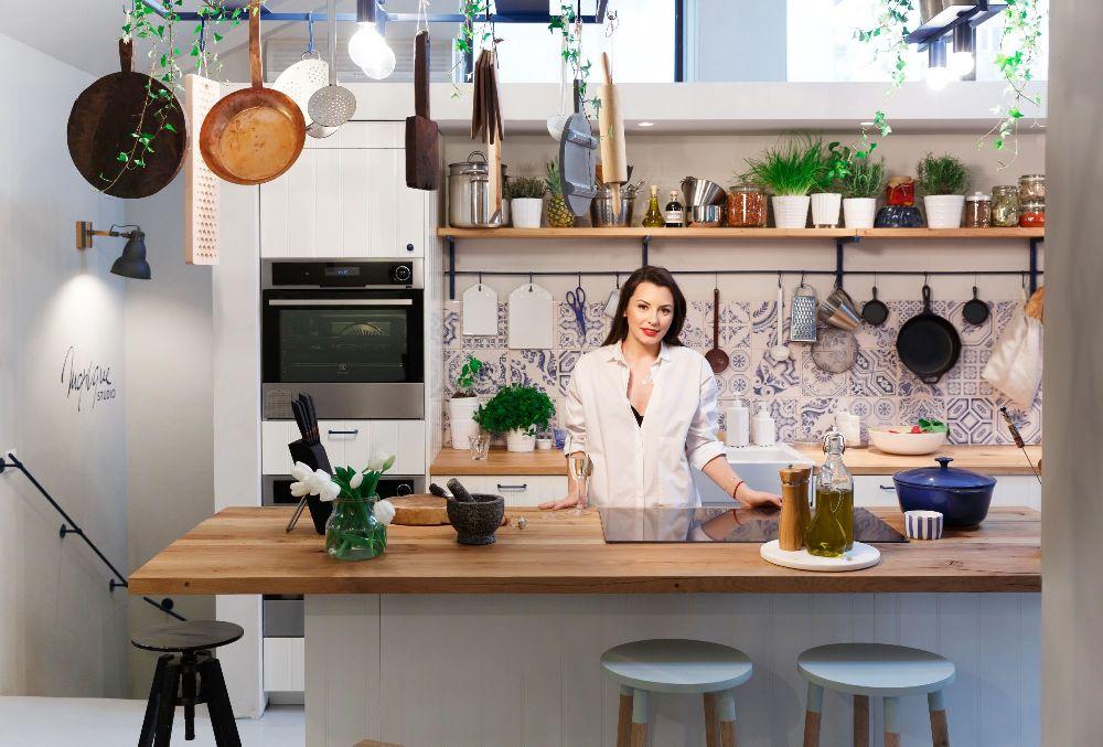 adelaparvu.com despre mansarda transformata in atelier culinar, Mazilique Studio, design arh. Eliza Yokina, Foto Catalin Georgescu (17)