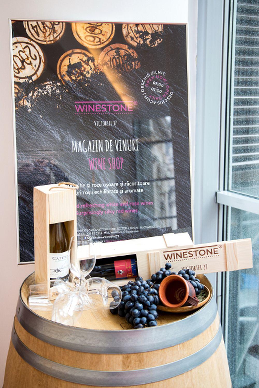 adelaparvu.com despre Winstone, restanurant de vinuri Hotel Novotel, Bucuresti (1)