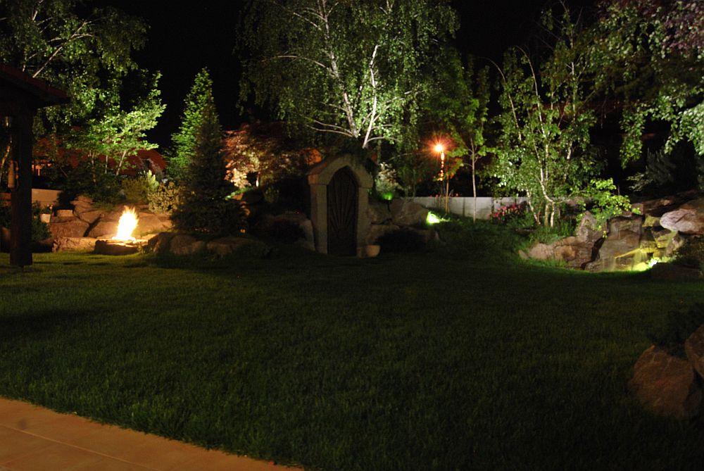 adelaparvu.com despre amenajare curte 120 mp si crama in gradina, Bucuresti, arhitect Dragos Isacescu (11)