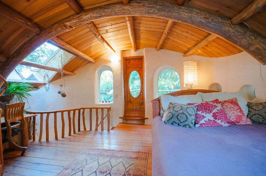 adelaparvu.com despre casa de vacnata din lut, Cob Cottage, canada, design Cobworks si Cob Cottage Company (10)