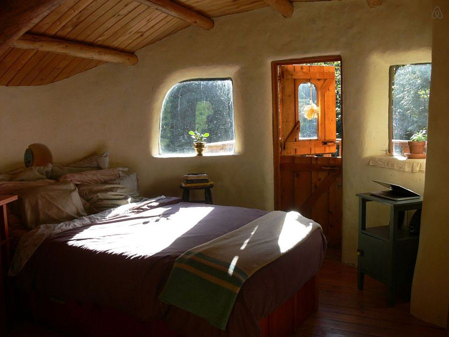adelaparvu.com despre casa de vacnata din lut, Cob Cottage, canada, design Cobworks si Cob Cottage Company (9)