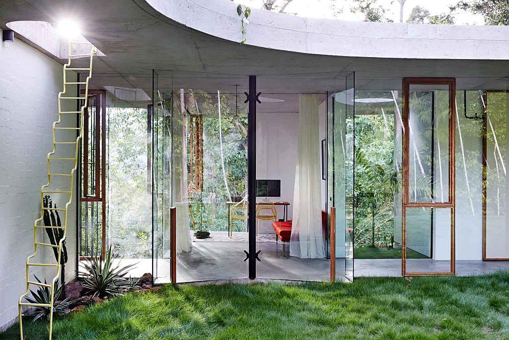 adelaparvu.com despre casa din beton si sticla, Planchonella House, arhitect Jesse Bennet, Foto Sean Fennessy (22)