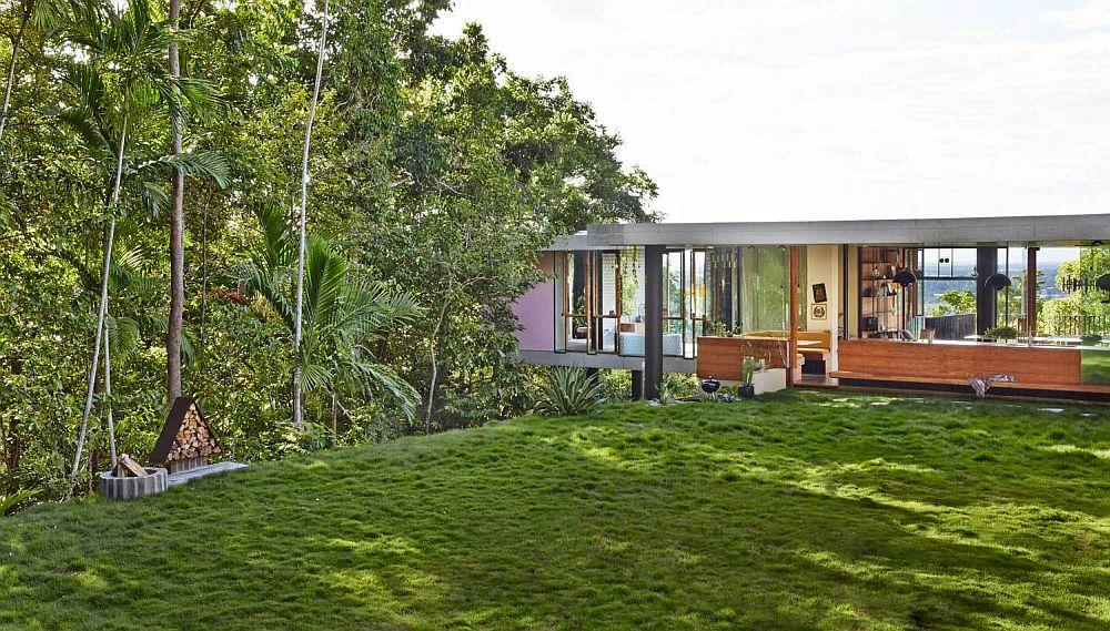 adelaparvu.com despre casa din beton si sticla, Planchonella House, arhitect Jesse Bennet, Foto Sean Fennessy (33)