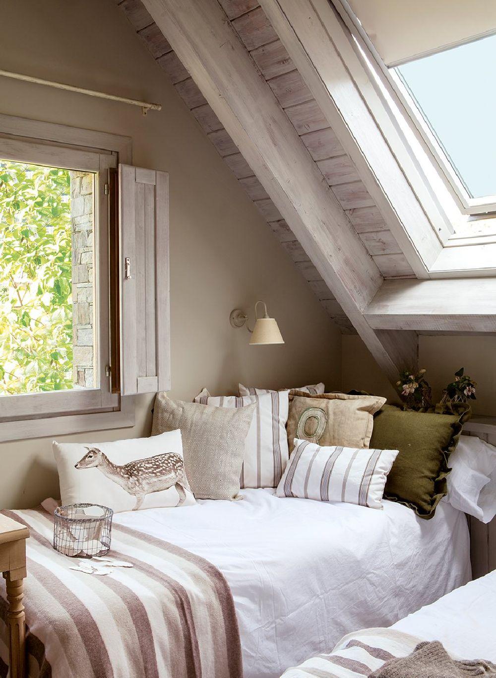 adelaparvu.com despre casa din lemn cu ferestre catre peisaj, design interior Marta Tobella, Sacum Studio, Foto ElMuelbe (10)