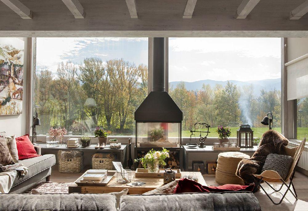 adelaparvu.com despre casa din lemn cu ferestre catre peisaj, design interior Marta Tobella, Sacum Studio, Foto ElMuelbe (15)