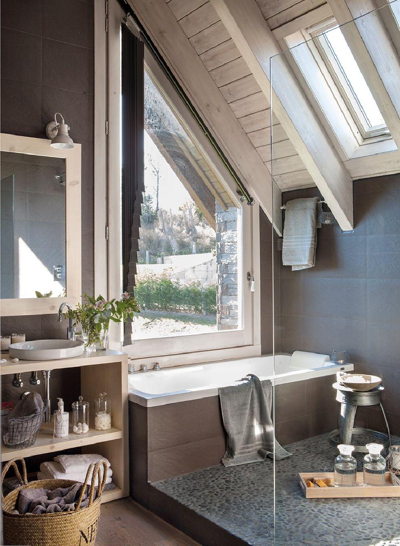 adelaparvu.com despre casa din lemn cu ferestre catre peisaj, design interior Marta Tobella, Sacum Studio, Foto ElMuelbe (2)