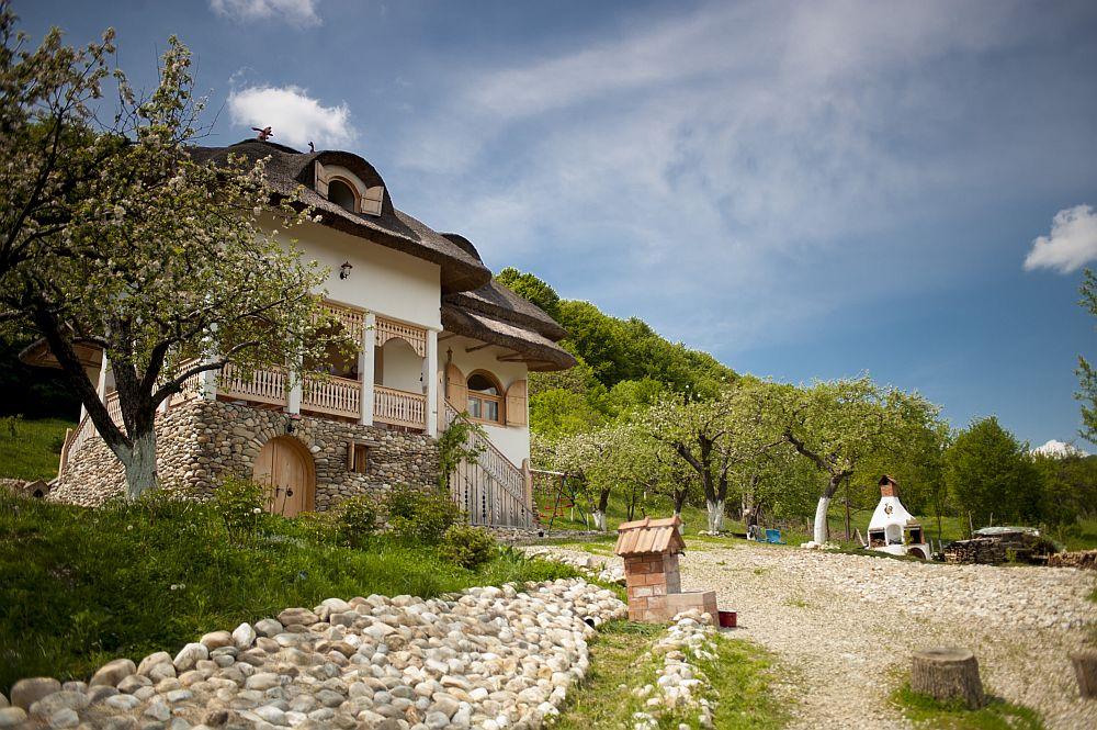adelaparvu.com despre casa traditionala romaneasca reinterpretata, Foto Dragos Boldea (13)