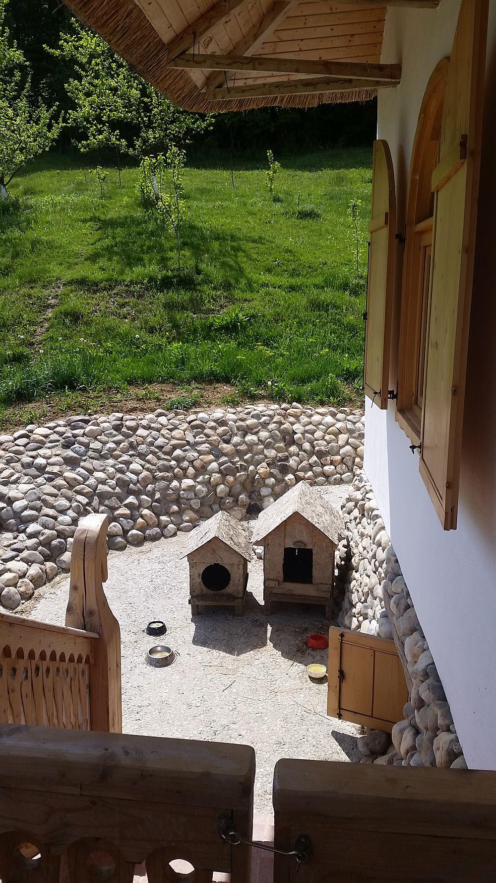 adelaparvu.com despre casa traditionala romaneasca reinterpretata, Foto Dragos Boldea (2)