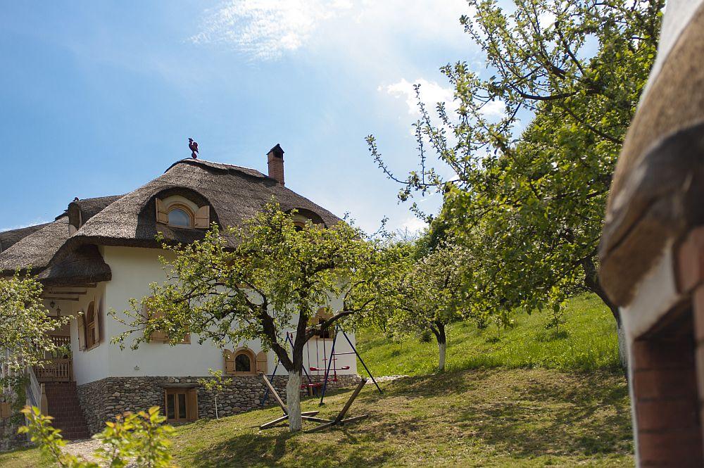 adelaparvu.com despre casa traditionala romaneasca reinterpretata, Foto Dragos Boldea (33)