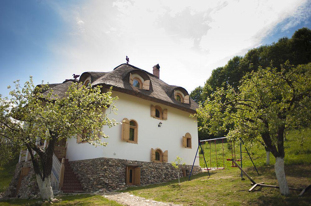 adelaparvu.com despre casa traditionala romaneasca reinterpretata, Foto Dragos Boldea (34)