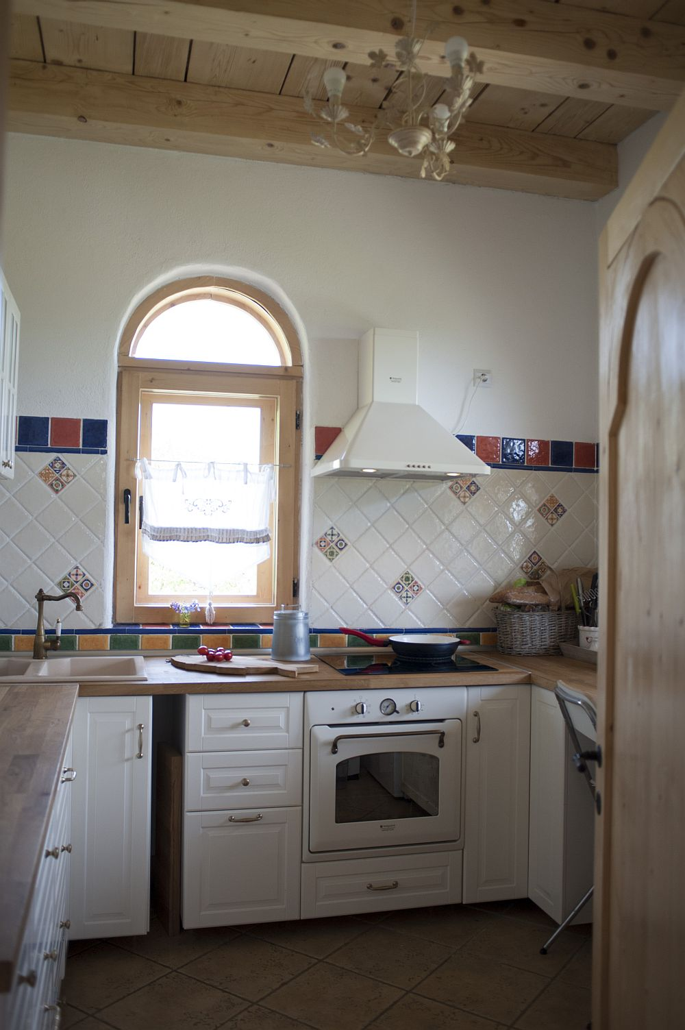 adelaparvu.com despre casa traditionala romaneasca reinterpretata, Foto Dragos Boldea (42)