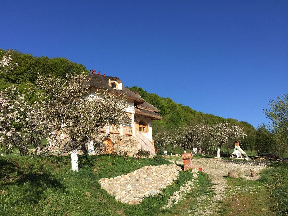 adelaparvu.com despre casa traditionala romaneasca reinterpretata, Foto Dragos Boldea (92)