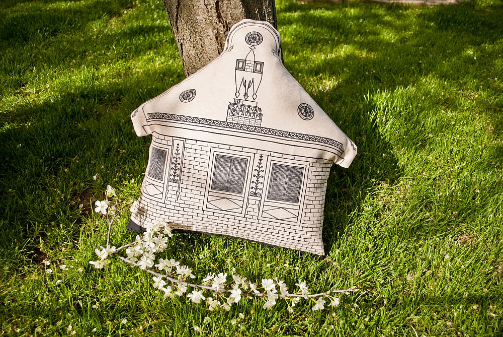 adelaparvu.com despre colectie de decoratiuni textile pictate manual, design SAS, arh Irina Riscu si arh Alex Stanciu, Foto SAS (7)