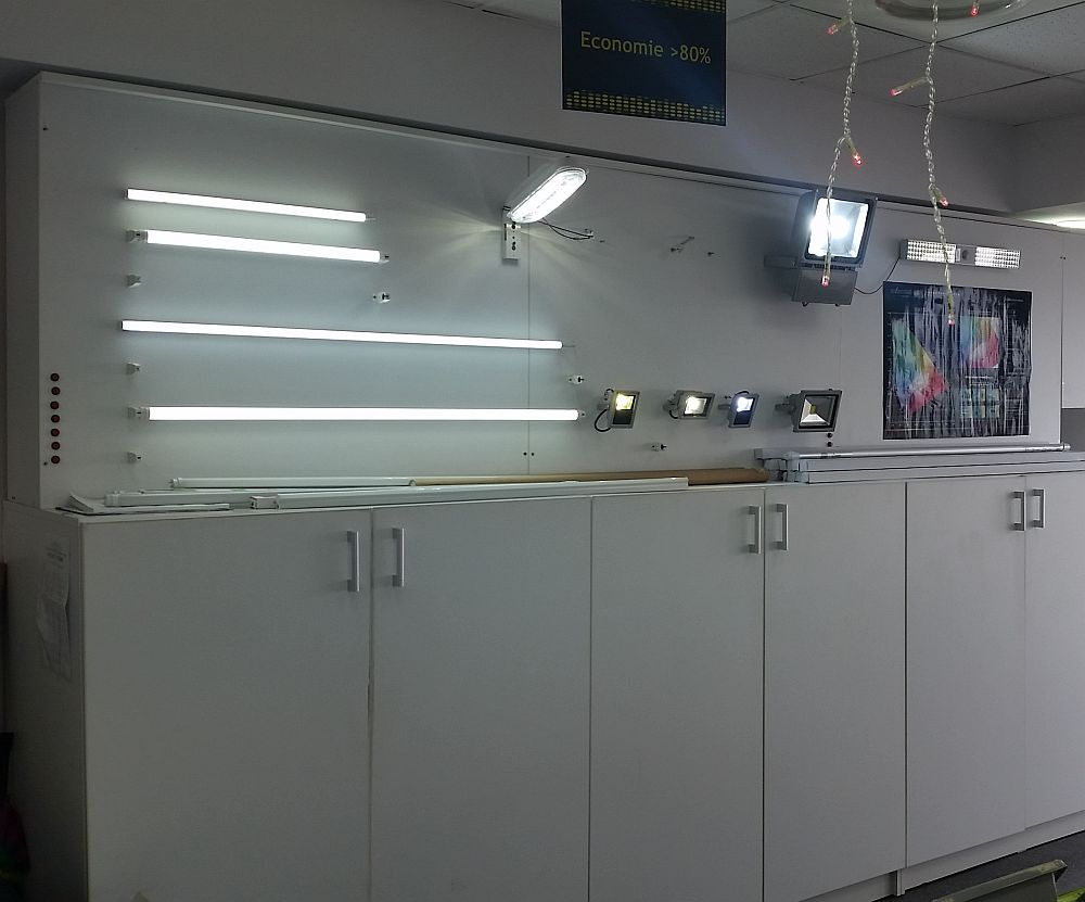 adelaparvu.com despre becuri LED asamblate in Romania, Global Flash Media (16)