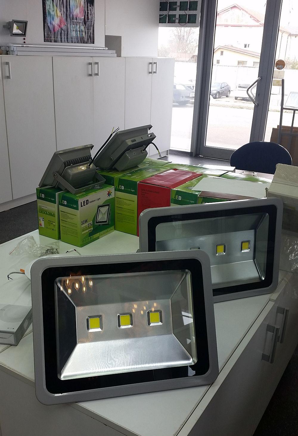 adelaparvu.com despre becuri LED asamblate in Romania, Global Flash Media (17)