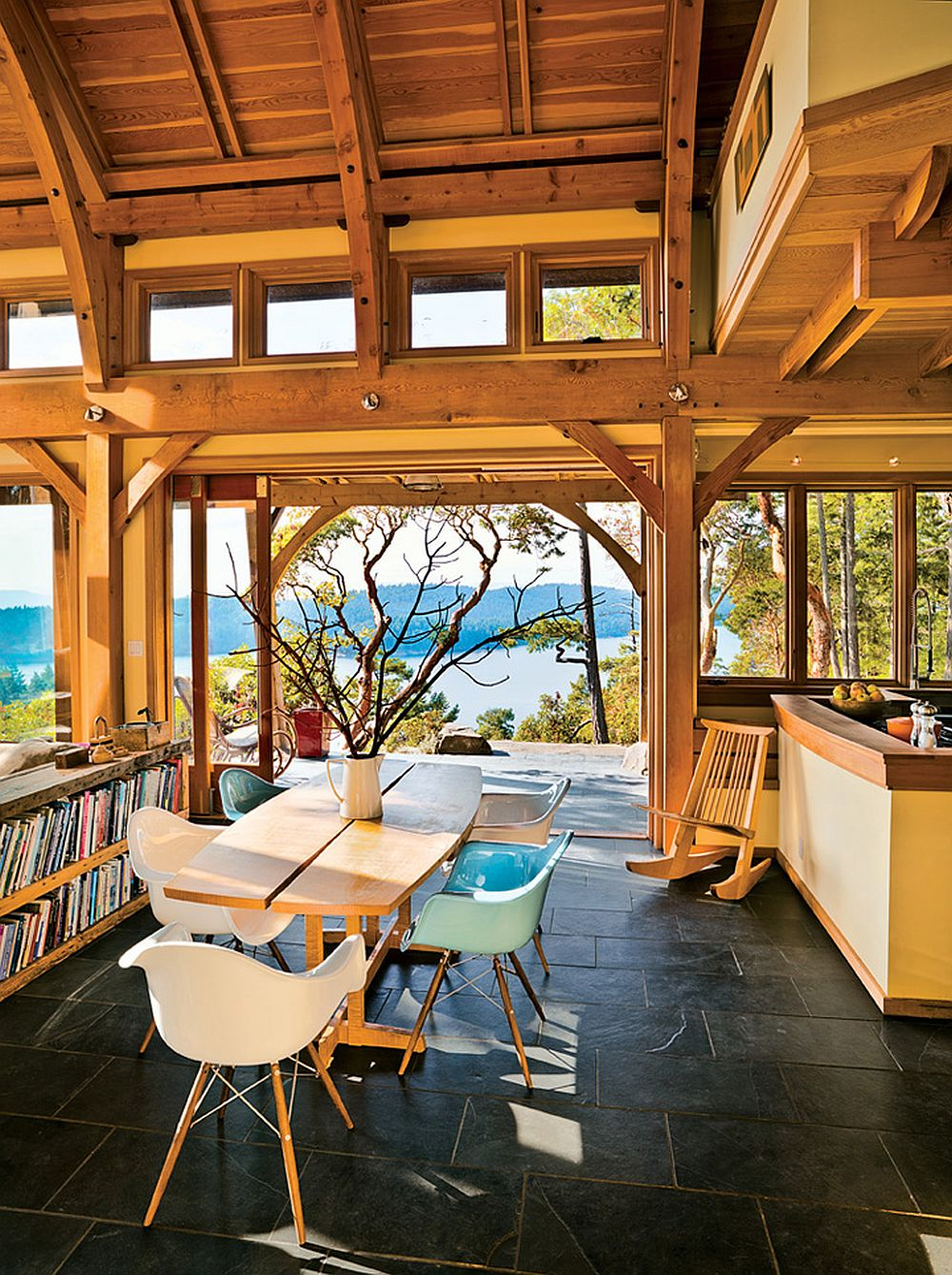 adelaparvu.com despre casa in Golf Georgia, design arh. Everest Lapp, Foto John Sinal (5)