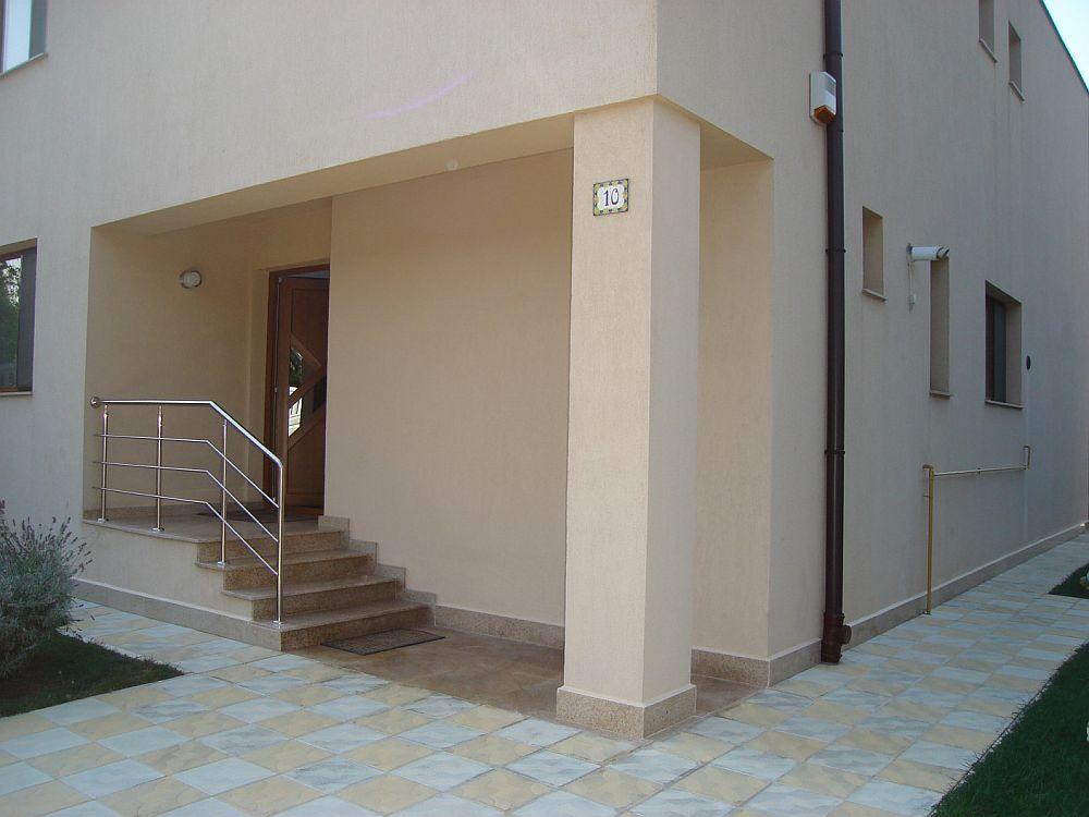 adelaparvu.com despre fatade exterioare redecorate cu profile decorative, lucrare CoArtCo (5)