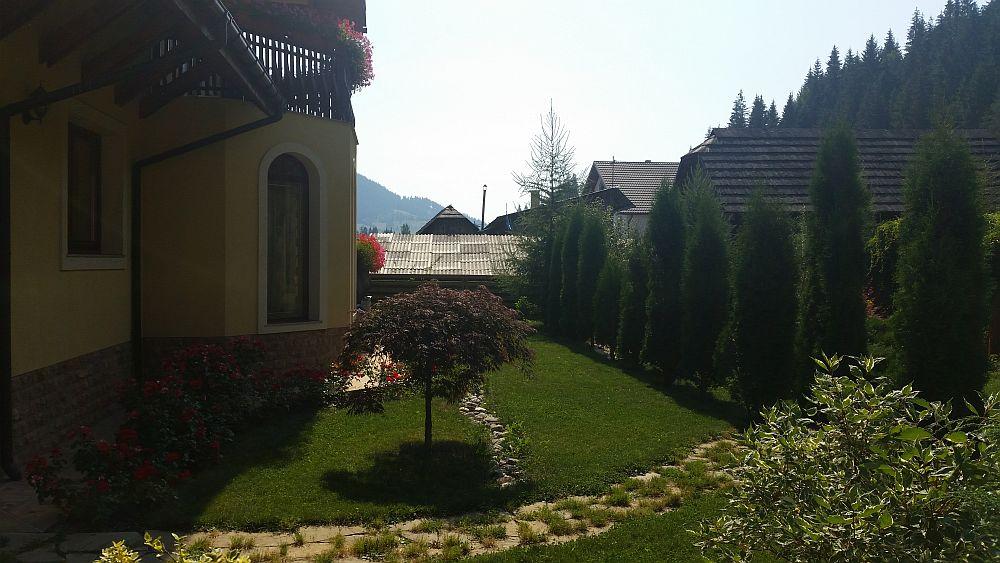 adelaparvu.com despre gradina in Bucovina, design Garden Green Campulung Moldovenesc, Foto Adela Parvu (11)