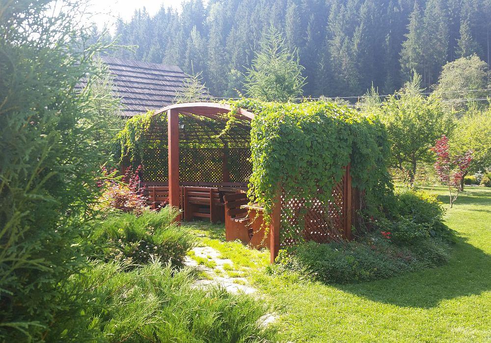 adelaparvu.com despre gradina in Bucovina, design Garden Green Campulung Moldovenesc, Foto Adela Parvu (13)