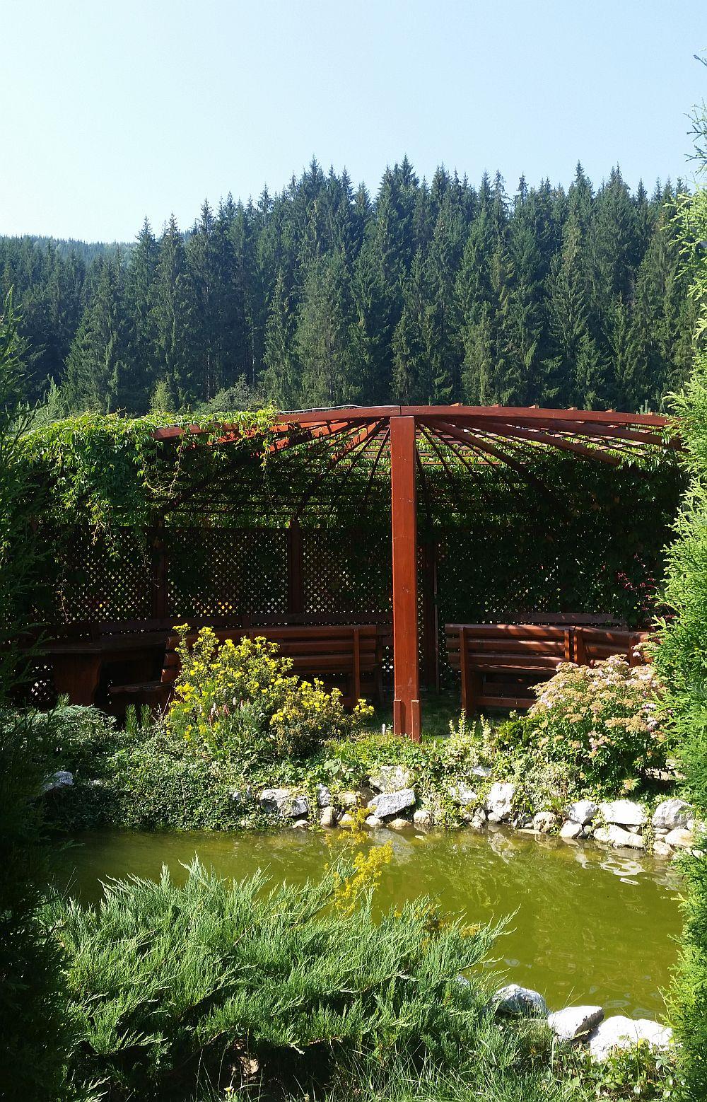adelaparvu.com despre gradina in Bucovina, design Garden Green Campulung Moldovenesc, Foto Adela Parvu (23)