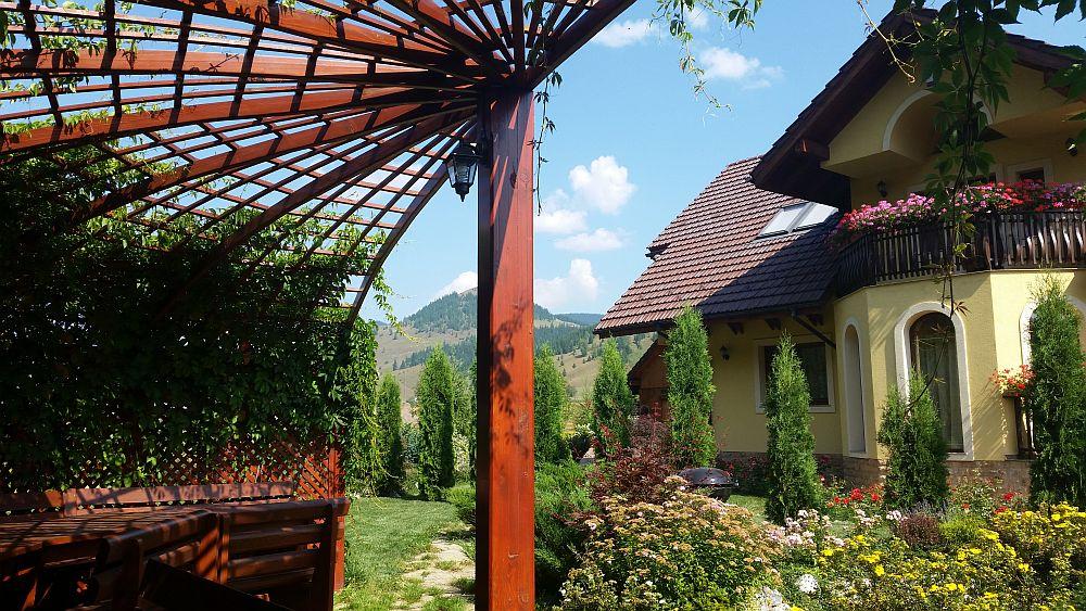 adelaparvu.com despre gradina in Bucovina, design Garden Green Campulung Moldovenesc, Foto Adela Parvu (41)
