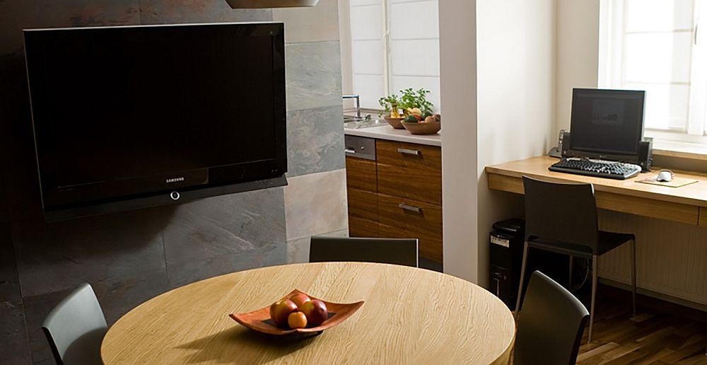 adelaparvu.com despre living cu birou si loc de masa, design Kreativa, Foto Rafal Lipski (2)