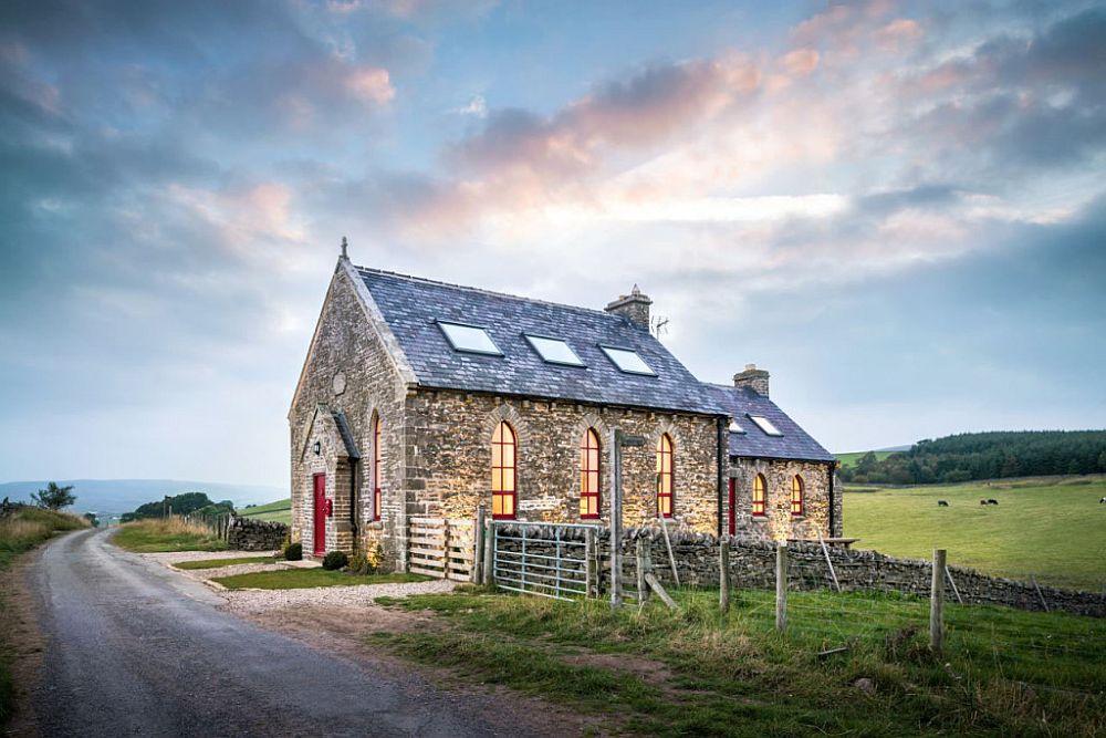 adelaparvu.com despre transformare capela in casa de vacanta, Boutique Chapel on the Hill, UK, design Evolution Design, Foto Chris Humphreys (20)