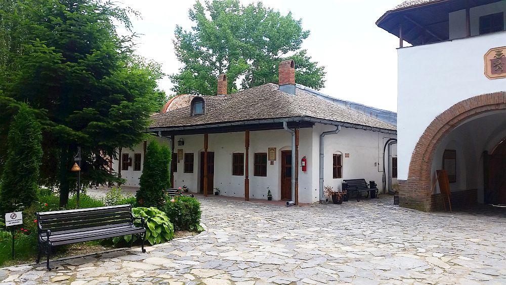 adelaparvu.com despre Conacul Golestilor, Muzeul Viticulturii si Pomiculturii, jud Arges, Romania(10)