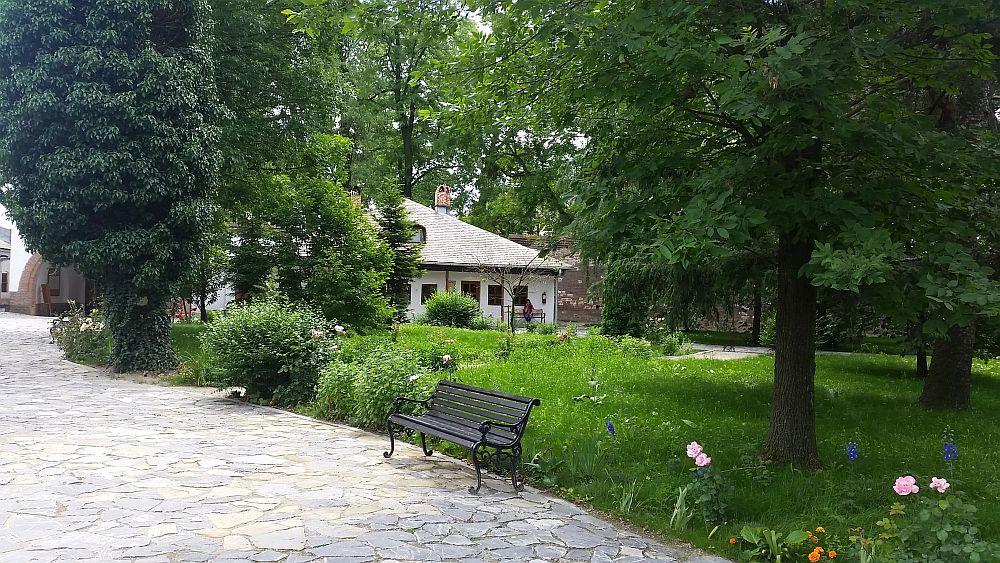 adelaparvu.com despre Conacul Golestilor, Muzeul Viticulturii si Pomiculturii, jud Arges, Romania (13)