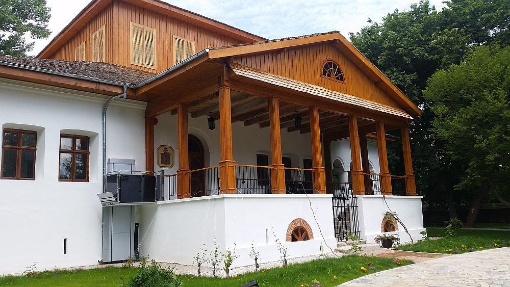 adelaparvu.com despre Conacul Golestilor, Muzeul Viticulturii si Pomiculturii, jud Arges, Romania (15)