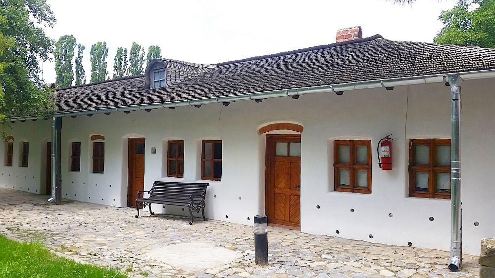 adelaparvu.com despre Conacul Golestilor, Muzeul Viticulturii si Pomiculturii, jud Arges, Romania(25)
