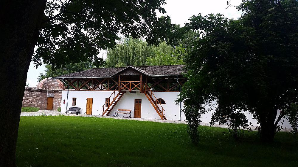 adelaparvu.com despre Conacul Golestilor, Muzeul Viticulturii si Pomiculturii, jud Arges, Romania(32)
