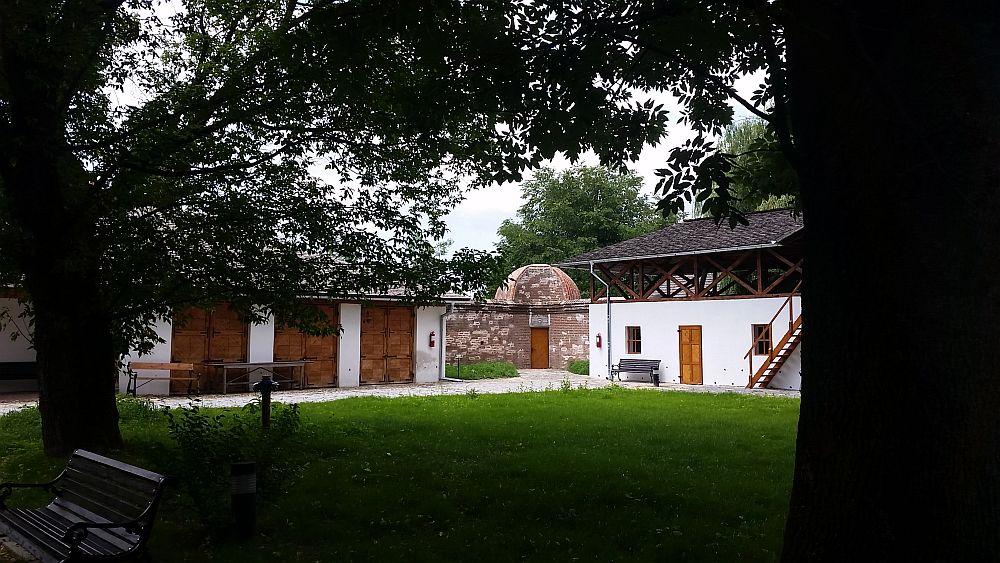 adelaparvu.com despre Conacul Golestilor, Muzeul Viticulturii si Pomiculturii, jud Arges, Romania(33)