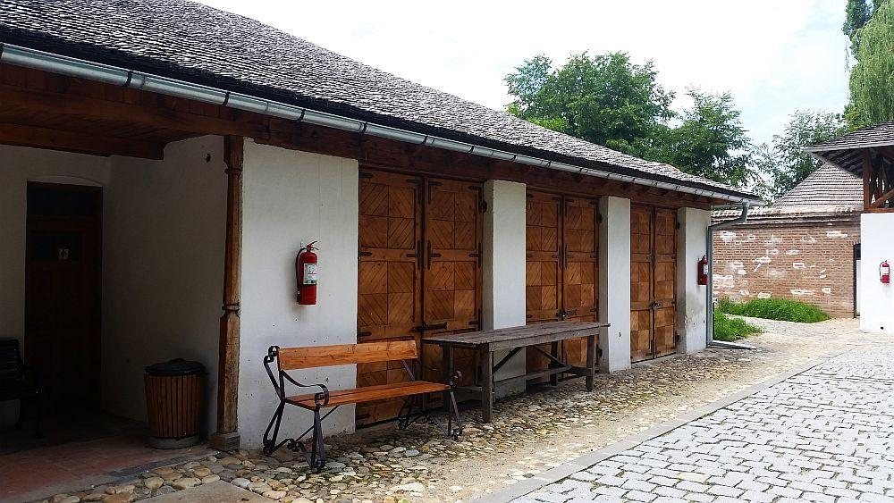 adelaparvu.com despre Conacul Golestilor, Muzeul Viticulturii si Pomiculturii, jud Arges, Romania (36)