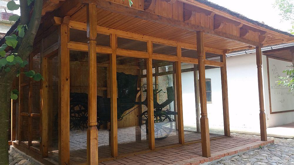 adelaparvu.com despre Conacul Golestilor, Muzeul Viticulturii si Pomiculturii, jud Arges, Romania(42)