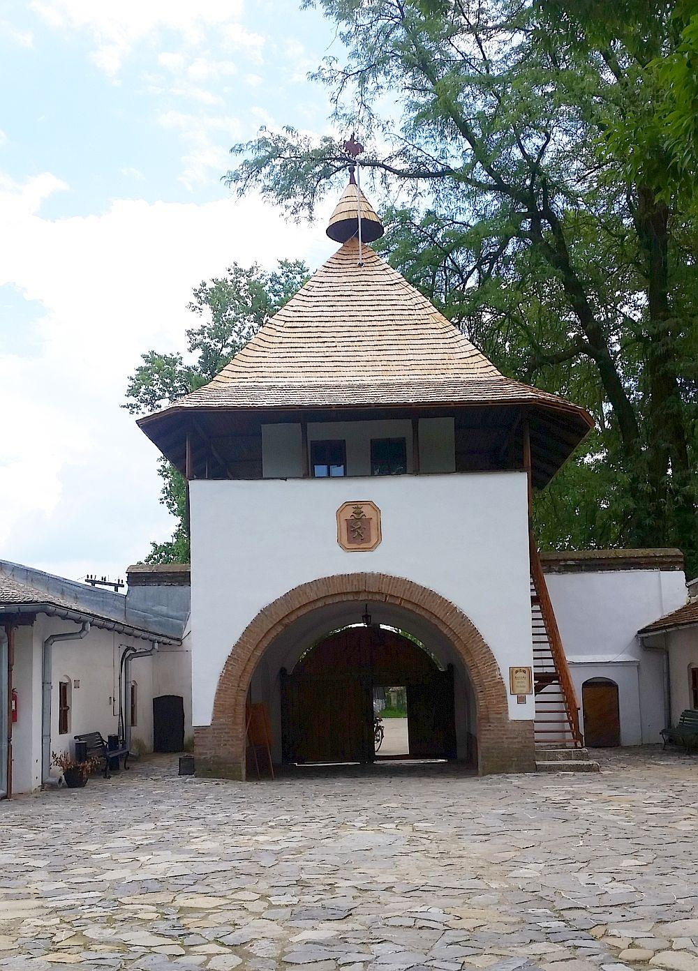 adelaparvu.com despre Conacul Golestilor, Muzeul Viticulturii si Pomiculturii, jud Arges, Romania(9)