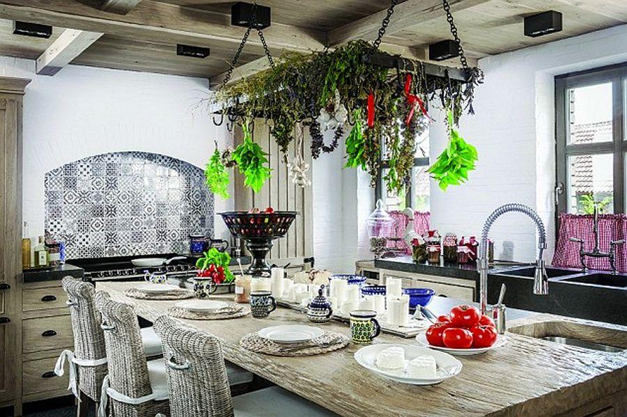 adelaparvu.com despre casa rustica cu interior clasic Polonia, designer Aleksandra Miecznicka, Foto Rafal Lipski (16)