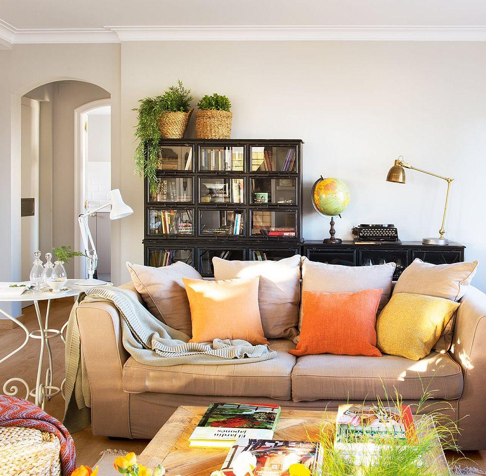 adelaparvu.com despre casa rustica cu obiecte colorate, casa Tom Sharpe, Foto ElMueble (10)