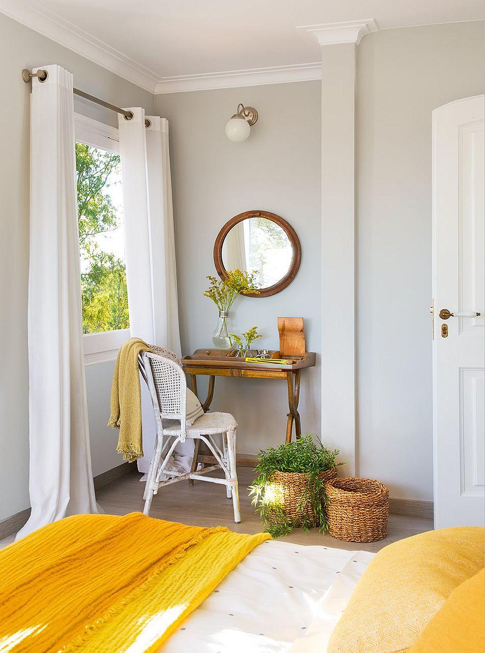 adelaparvu.com despre casa rustica cu obiecte colorate, casa Tom Sharpe, Foto ElMueble (6)