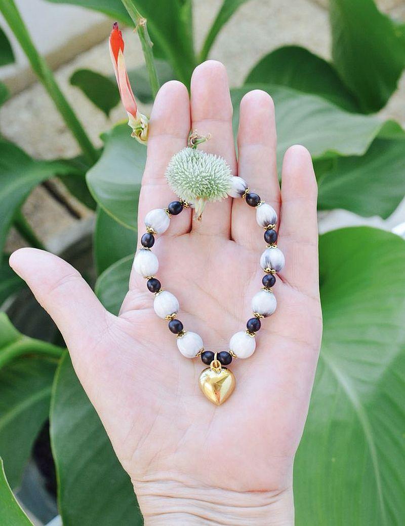 adelaparvu.com despre Canna indica planta cu flori, seminte pentru bijuterii (3)