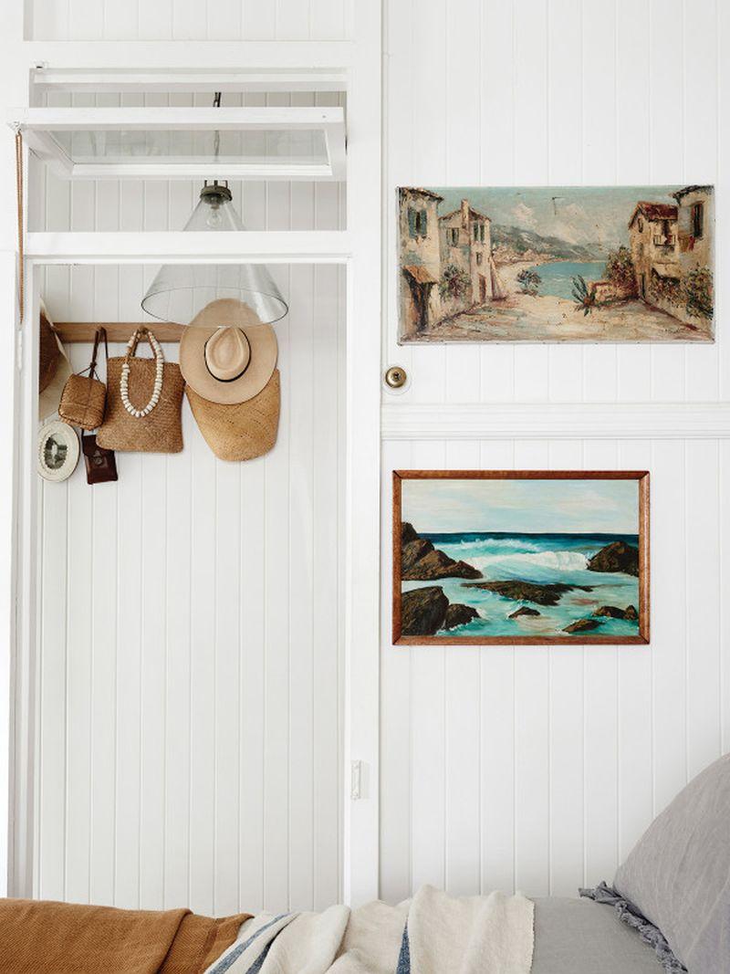adelaparvu.com despre casa mica din lemn alba frumos decorata, design Kara Rosenlund (19)